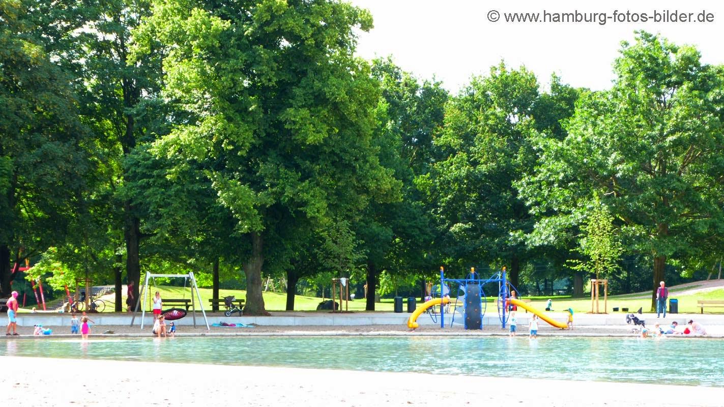 Spielplatz am Planschbecken im Stadtpark