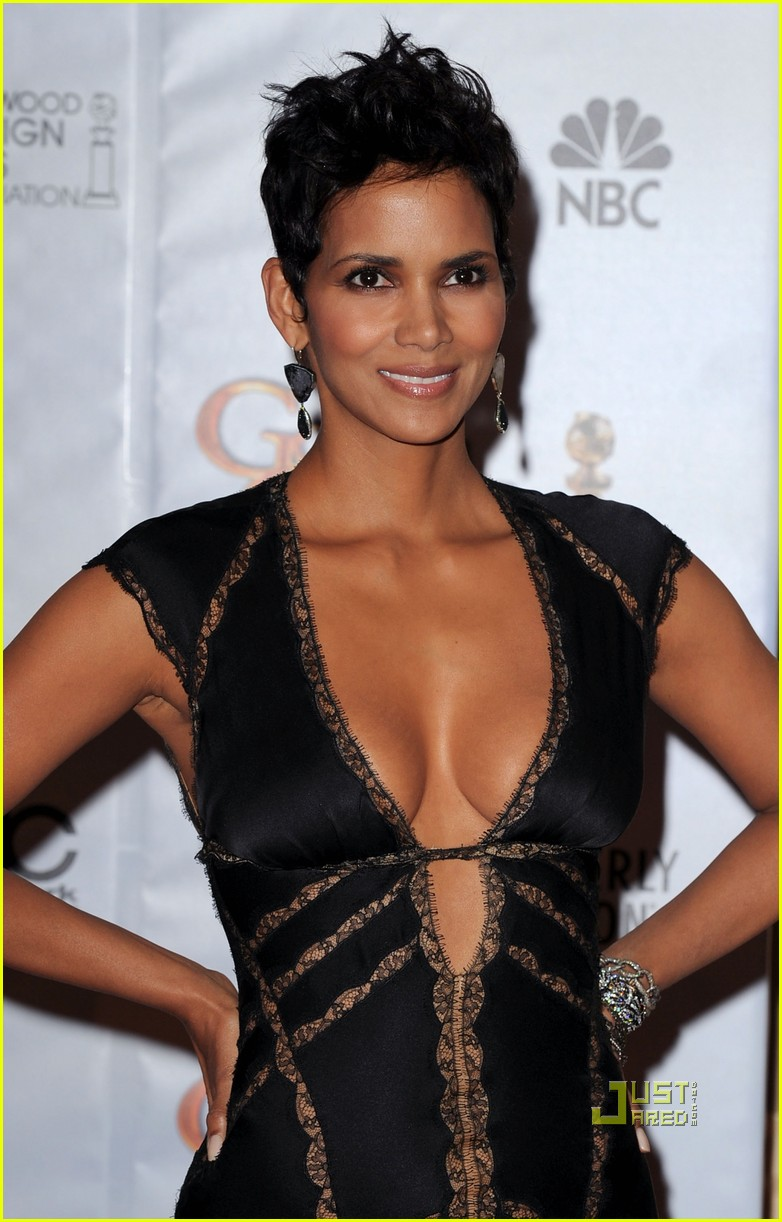 Halle Berry Cute Wallpaper Halle Berry Halle Berry Photoshoot