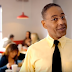 Los Pollos Hermanos e Gus Fring, em novo teaser da 3ª temporada de Better Call Saul