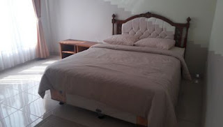 kamar 2 villa valencia