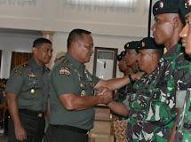 Pertahan Kepercayaan Masyarakat Kepada TNI Dimanapun Berada dan Bertugas