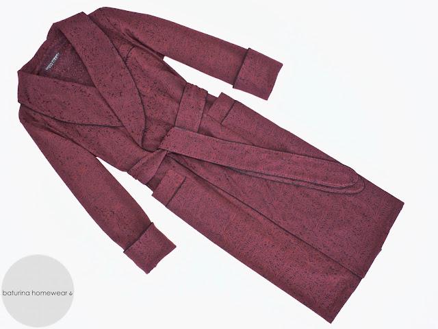 exklusiver langer herren hausmantel paisley baumwolle rot klassischer englischer luxus morgenmantel dunkelrot edel elegant stilvoll