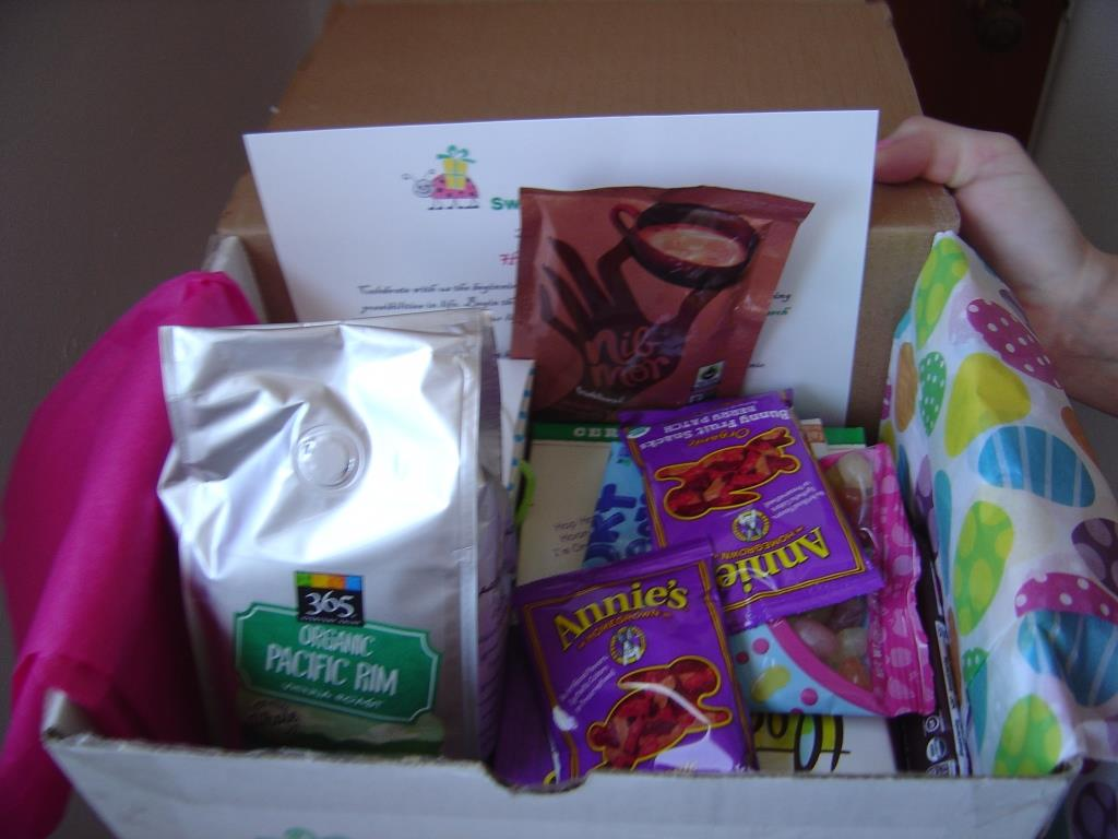 Sweet Organic Box for March 2016 as it arrived in box