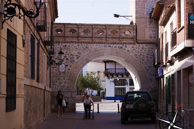 Arco de la torre del reloj, Consuegra