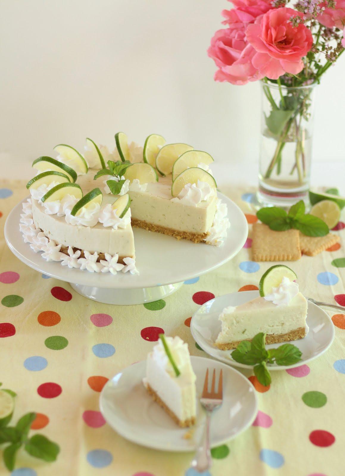 Erfrischende Limetten-Joghurt-Torte ohne Backen - klassisch und vegan | Rezept und Video