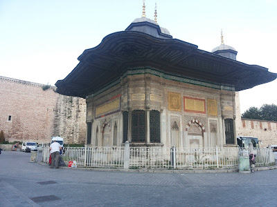 Wisata Istanbul - Sultan Ahmed Fountain