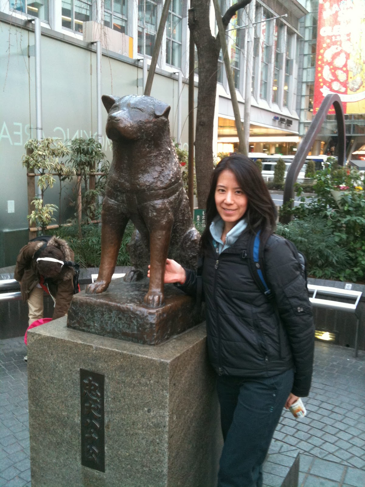 Tokyo - Any dog lover wants to pose with the statue of Hachiko