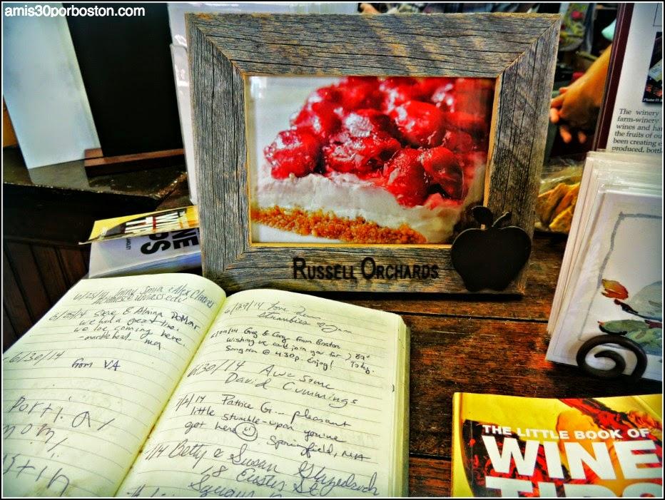 Granjas de Ipswich: Russell Orchards Farm Store & Winery
