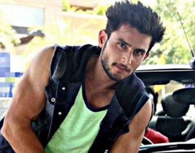 Leenesh Mattoo Family Wife Son Daughter Father Mother Marriage Photos Biography Profile