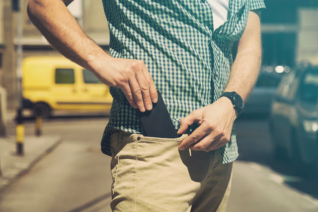California State Advises Its Citizen Against Keeping  Phones In Their Pocket.