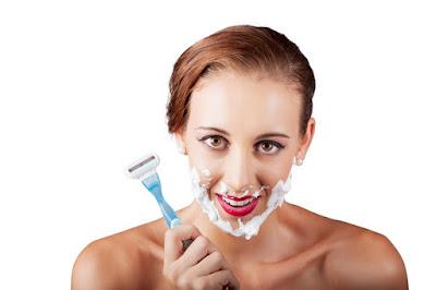 Comment démêler vos Cheveux Naturellement et Sans Douleur? 4 Astuces