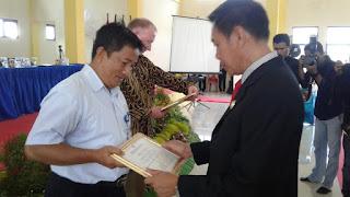 Politeknik Kotabaru Berikan Penghargaan Kepada Indocement