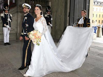 Mãn nhãn trước những mẫu vương miện cô dâu phong cách hoàng gia