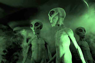 Little green men from outer space martians ufo