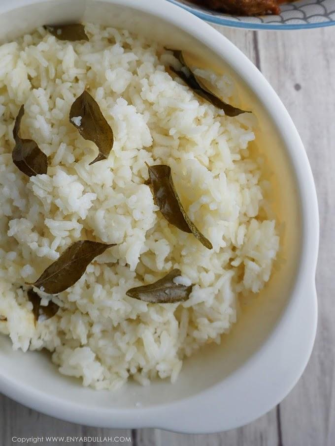 Nasi Minyak Daun Kari