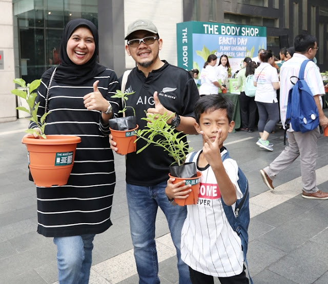 The Body Shop, Earth Day, Plant Giveaway, The Body Shop Malaysia, The Body Shop, Free Tree Society, ZKE Recycle, Wildlife Conservation Society, Lifestyle