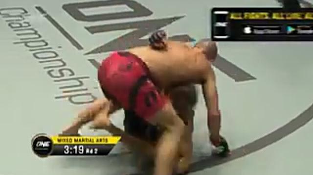 GARRY TONON def.  SUNG JONG LEE via 2nd Round KO : Heart Of The Lion