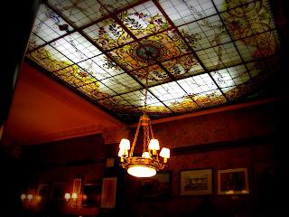 Lustre do Gran Café Tortoni, em Buenos Aires