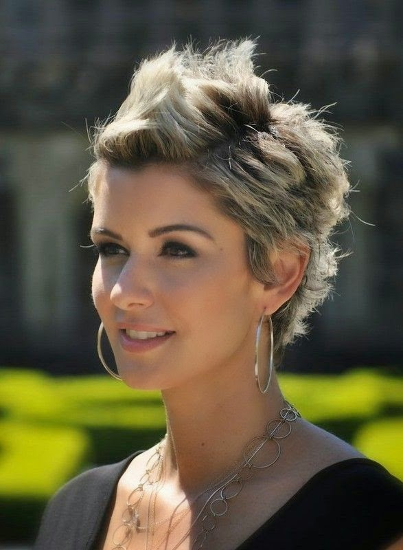 Amanda Forrest Short Hairstyle Spiked Short Haircut for Spring}