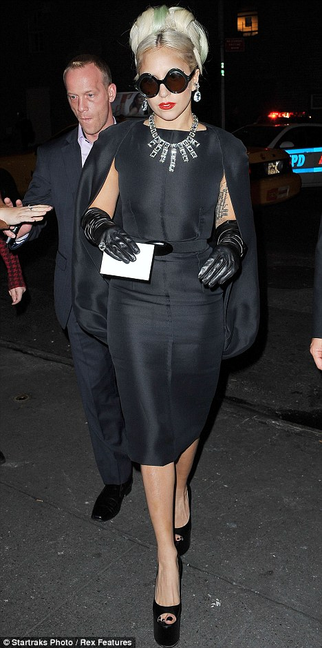 A+chic+and+classy+Lady+Gaga+is+a+modern+