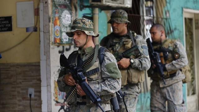 Ministério da Defesa resolve aumentar para 950 homens do Exército em operação na Rocinha