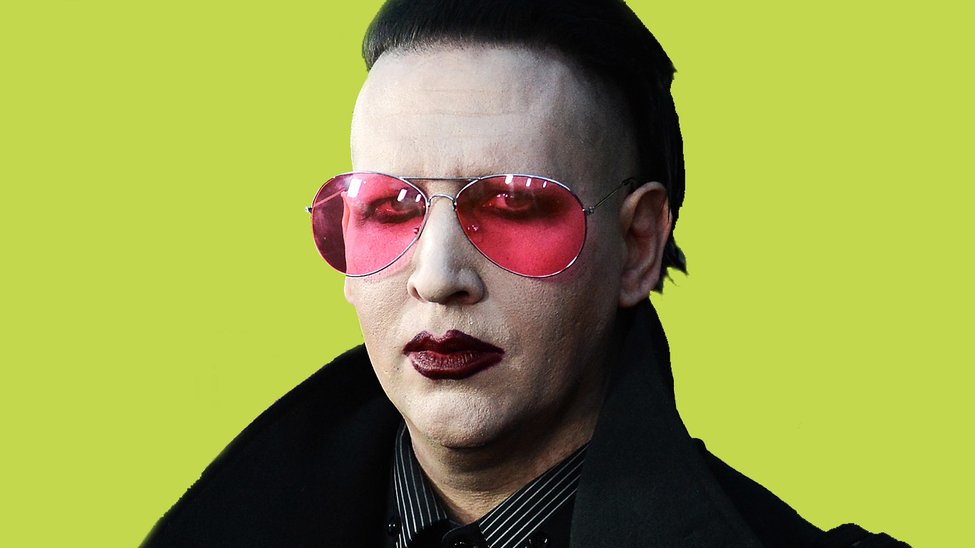 marilyn manson extrait du clip officiel du nouveau single say10 news. Black Bedroom Furniture Sets. Home Design Ideas