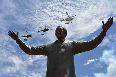 Patung Nelson Mandela di Pretoria, Afrika Selatan