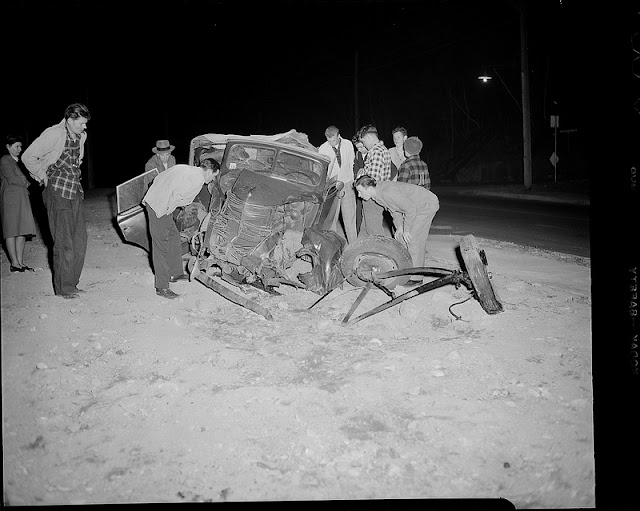 50 Impressive Vintage Photos Of Car Accidents From Between