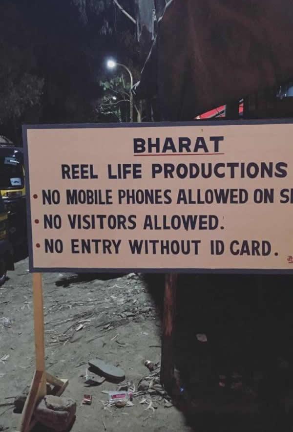 No+mobile+phone+signboard+for+Salman+starrer+Bharat%E2%80%99s+shooting%21.jpg