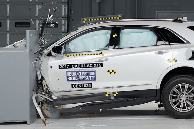 2017 Cadillac XT5 Was Named An IIHS Top Safety Pick+