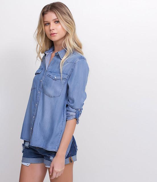 Camisa Jeans com Abertura nas Costas