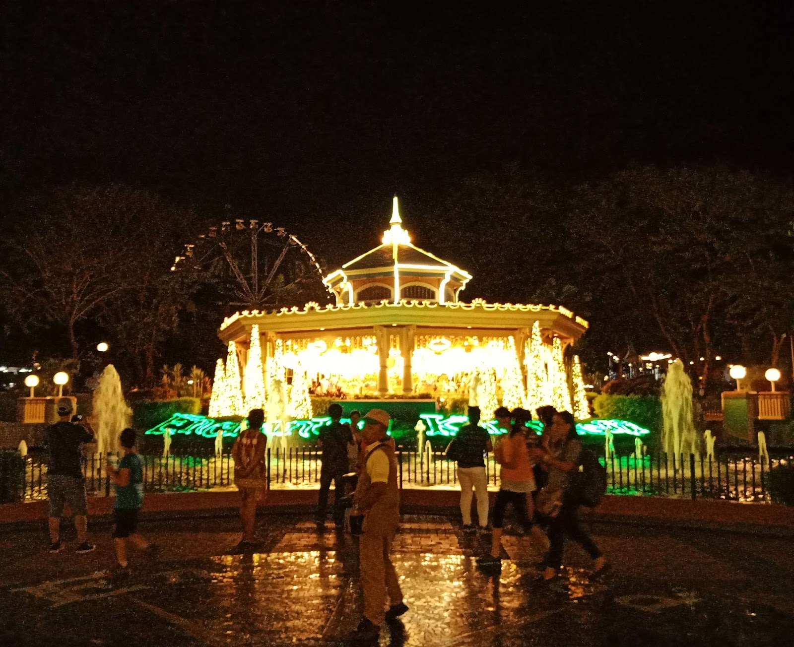 Grand Carousel (Night)