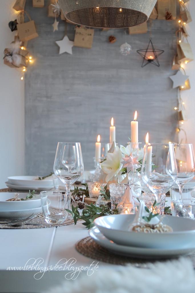 lieblingsidee blog festliche tischdekoration f r weihnachten und was bei uns auf den tisch kommt. Black Bedroom Furniture Sets. Home Design Ideas
