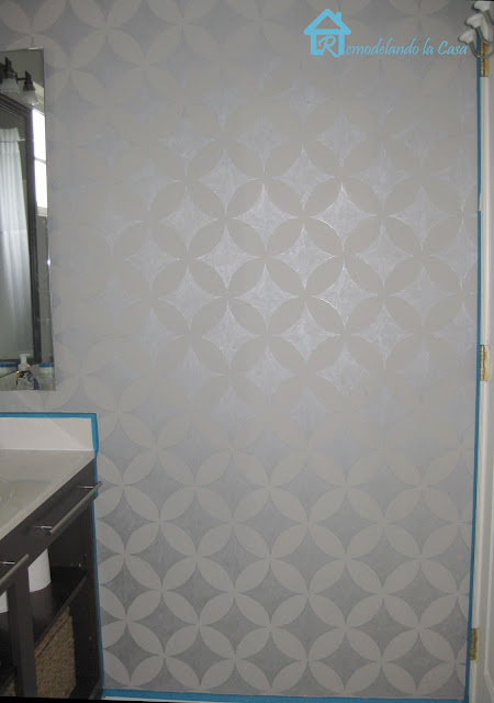how to make a design on wall - DIY STENCIL