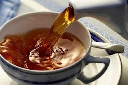 4 Kebiasaan Minum Teh yang Justru Berbahaya bagi Tubuh