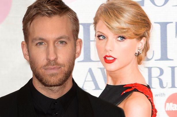Calvin Harris se burla de Taylor Swift con foto en yate rodeado de mujeres.