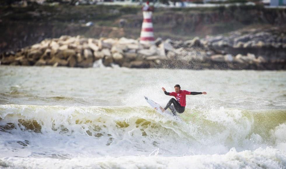 4 2014 Moche Rip Curl Pro Portugal Jordy Smith ZAF Foto ASP Damien%2B Poullenot Aquashot