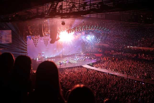 Presentación de The Foral Telegraph en un abarrotado Reyno de Navarra Arena