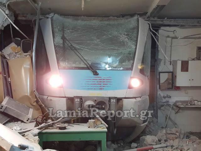 Εκτροχιάστηκε τρένο στη Λαμία - Βομβαρδισμένο τοπίο η αποθήκη που κατέληξε (βίντεο)