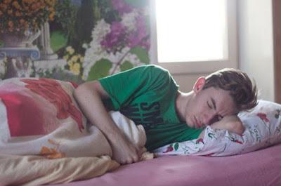 Penyebab Kita Merasa Jam Tidur Masih Kurang