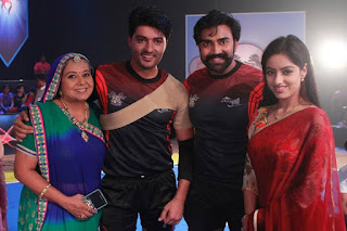 Deepika Singh,  Rohit Raj Goyal, Anas Rashid as Sooraj Arun Rathi, Neelu Vaghela as Santosh Arun Rathi from the set of Diya Aur Baati Hum .