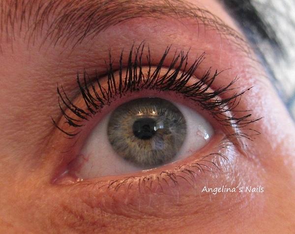 99f7343224c Die Lacura Beauty 3D Effect Mascara verleiht den Wimpern Schwung, Fülle  sowie Länge und sorgt für einen unwiderstehlich dramatischen Augenaufschlag.