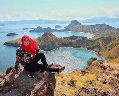 Komodo National Park is located betwixt the provinces of East Nusa Tenggara together with West Nusa  Beaches in Bali; seven Hidden Places Indonesia