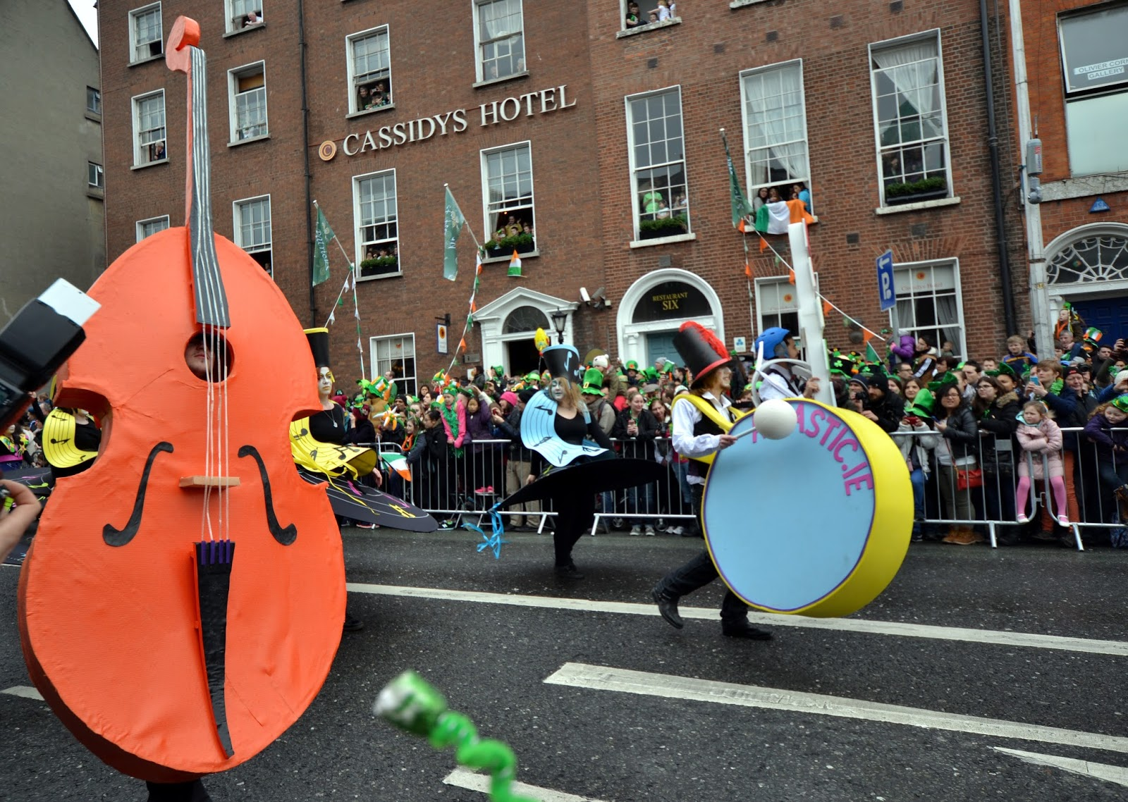 Dublin, Ireland, Eire, St Patrick's day, parade, Guinness, Irish, crazy, Temple Bar, Dropkick Murphys, Al Barr, Ken Casey, Kiss me im shitfaced, On stage, mental, travel
