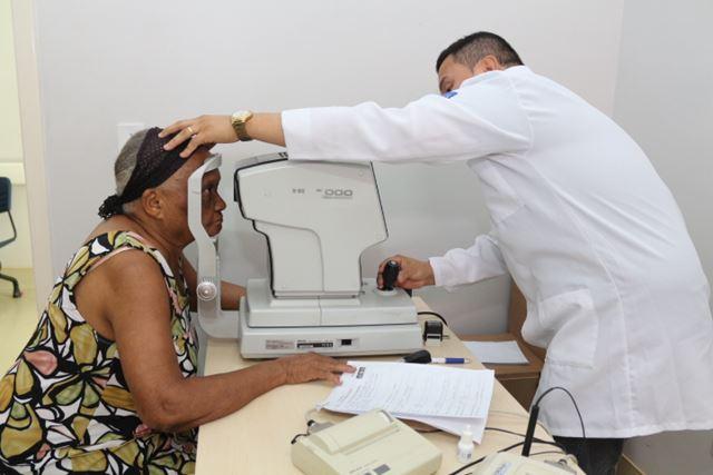 Dona Benedita de Jesus Pinheiro superou o medo da cirurgia de catarata e, agora, já planeja o procedimento no olho esquerdo