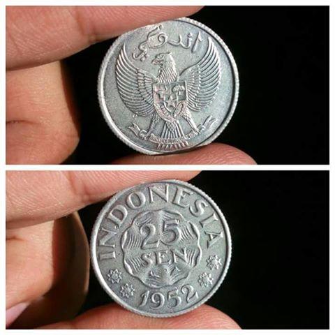 Mengapa Uang Koin Indonesia Dulu Gunakan Aksara Arab?