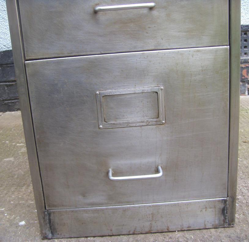 Retro Furniture Vintage Retro 4 Drawer Filing Cabinet