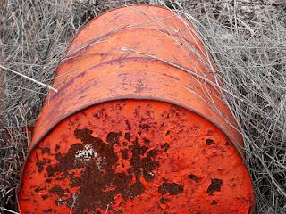 Lata - Responsabilidades na gestão de resíduos perigosos na Lei 12.305/10