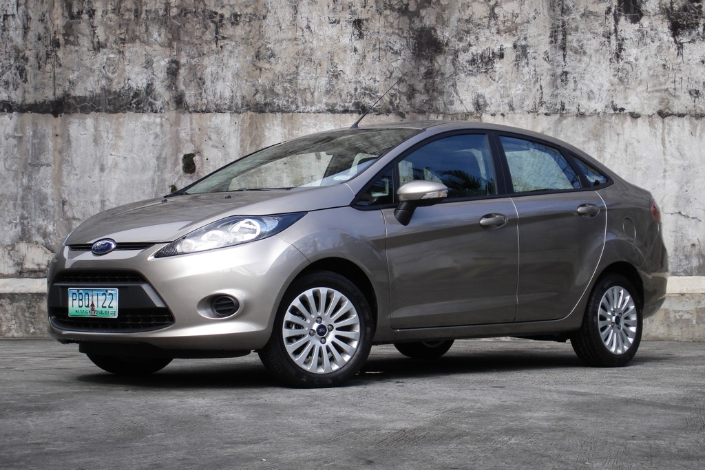 review 2011 ford fiesta 1 6 trend sedan philippine car. Black Bedroom Furniture Sets. Home Design Ideas