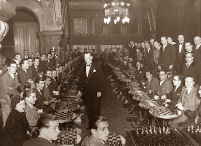 Simultáneas de Alekhine en el Ateneu Barcelonès en 1935